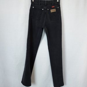 Wrangler   Vintage High Rise Mom Jean 25x32